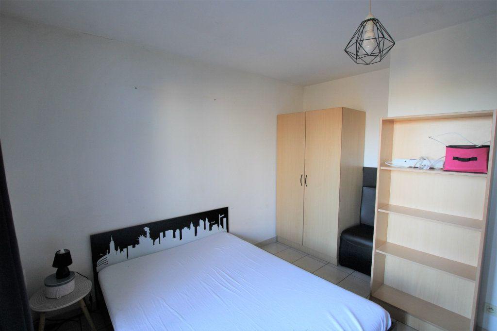 Appartement à louer 2 32.68m2 à Avignon vignette-3