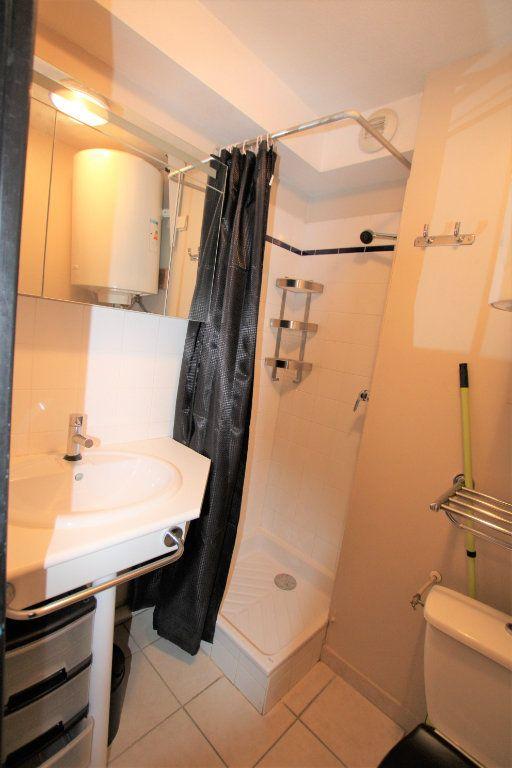 Appartement à louer 2 32.68m2 à Avignon vignette-6