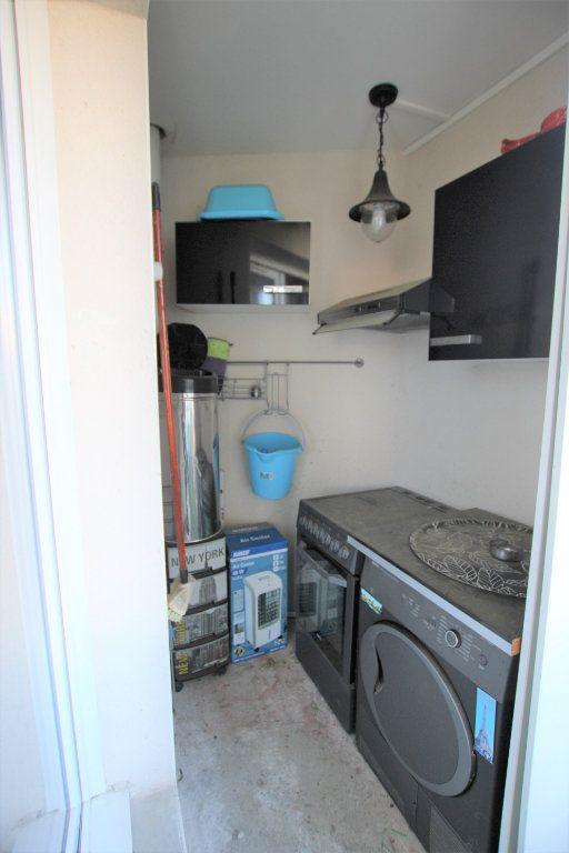 Appartement à louer 2 32.68m2 à Avignon vignette-9