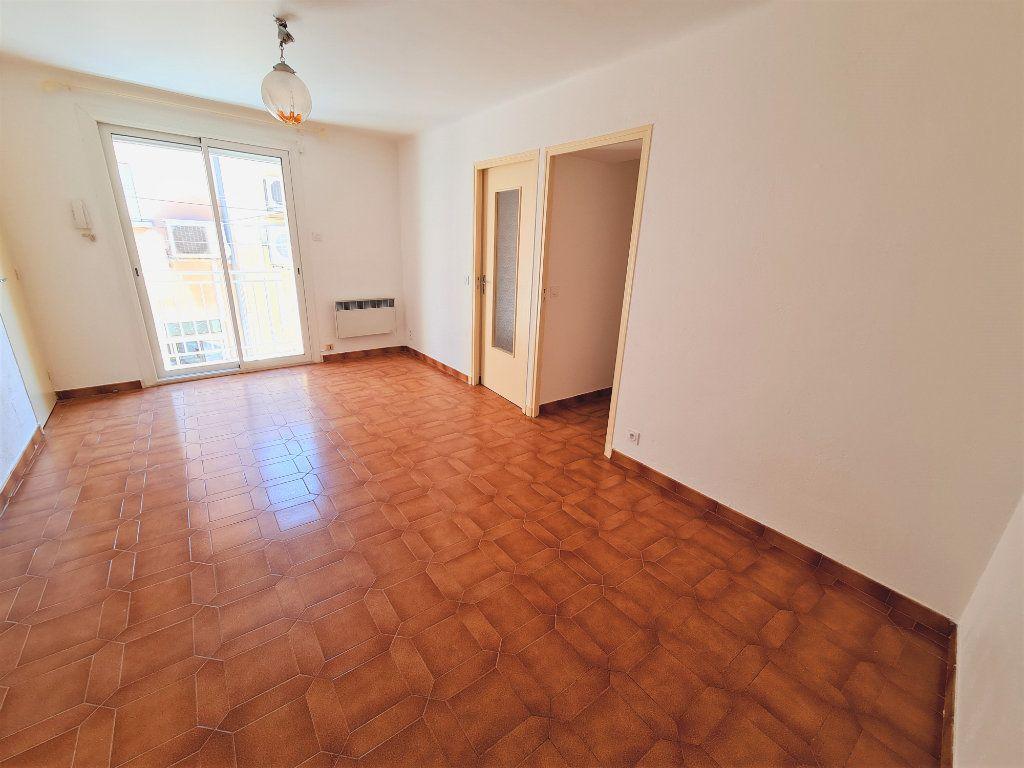 Maison à vendre 5 108m2 à Saint-Saturnin-lès-Avignon vignette-3