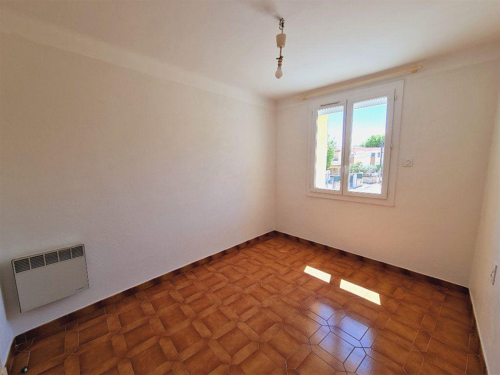 Maison à vendre 5 108m2 à Saint-Saturnin-lès-Avignon vignette-4