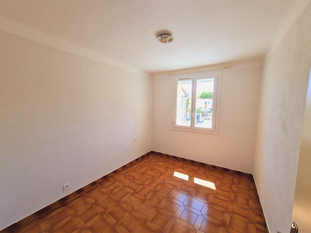 Maison à vendre 5 108m2 à Saint-Saturnin-lès-Avignon vignette-5