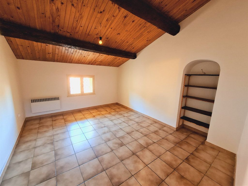 Maison à vendre 5 108m2 à Saint-Saturnin-lès-Avignon vignette-6