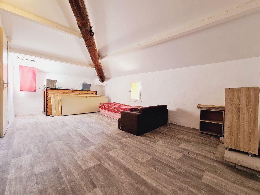 Maison à vendre 5 108m2 à Saint-Saturnin-lès-Avignon vignette-8