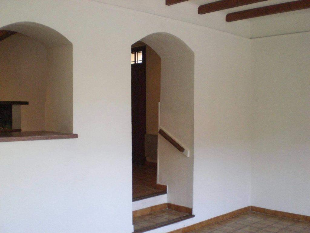 Maison à vendre 5 108m2 à Saint-Saturnin-lès-Avignon vignette-11
