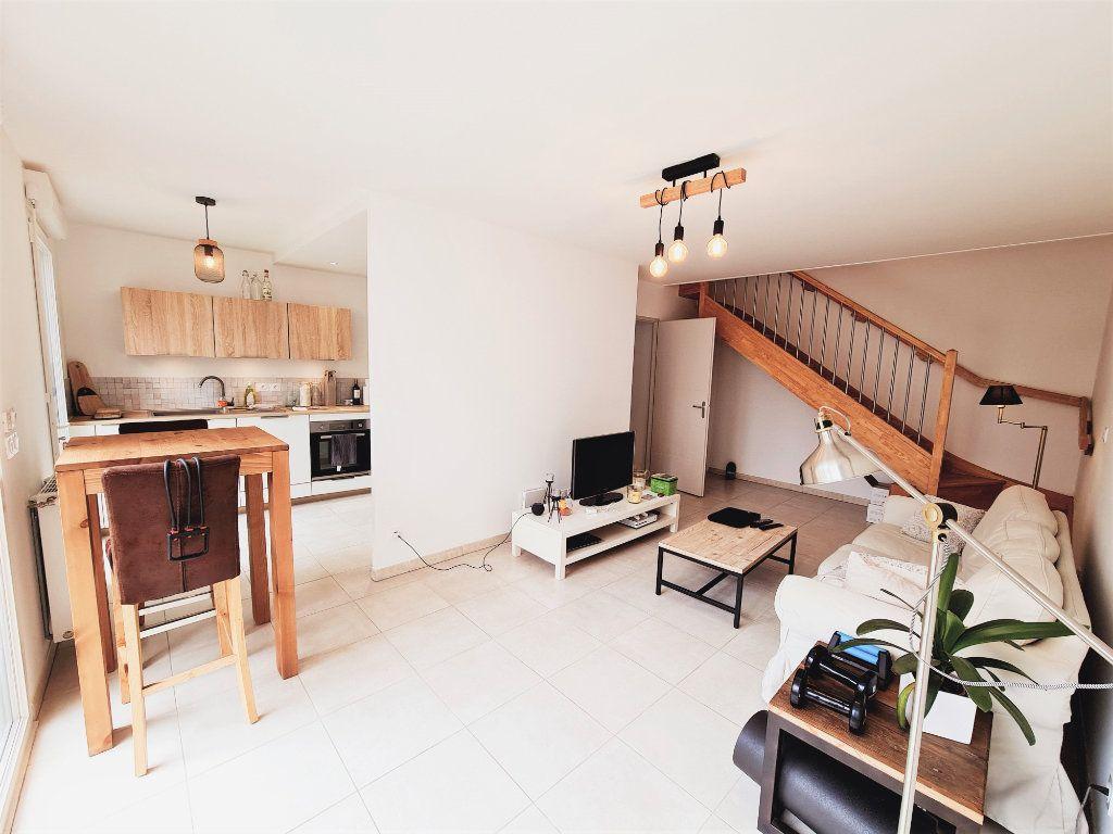 Maison à vendre 3 64.9m2 à Le Pontet vignette-4