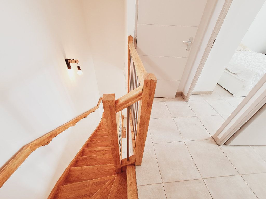 Maison à vendre 3 64.9m2 à Le Pontet vignette-6