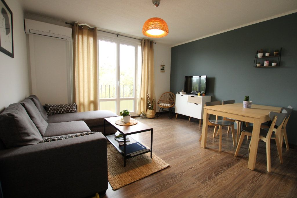 Appartement à vendre 3 57.31m2 à Montfavet - Avignon vignette-1