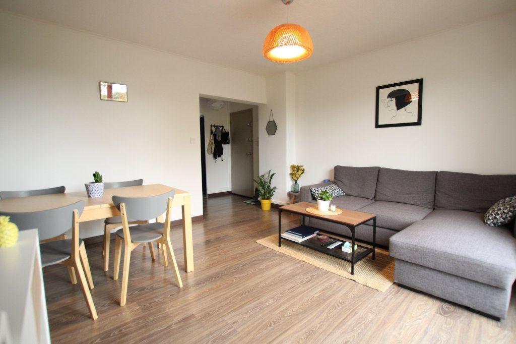 Appartement à vendre 3 57.31m2 à Montfavet - Avignon vignette-2