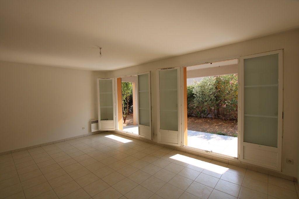 Appartement à vendre 3 67m2 à Montfavet - Avignon vignette-4