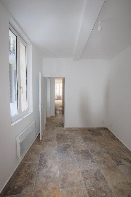 Appartement à louer 2 69m2 à Avignon vignette-4