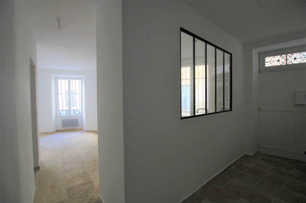 Appartement à louer 3 69m2 à Avignon vignette-7