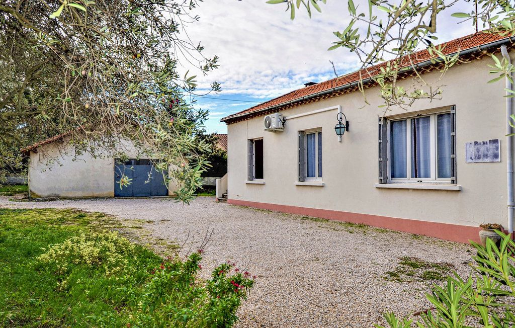Maison à louer 4 90m2 à Saint-Saturnin-lès-Avignon vignette-2