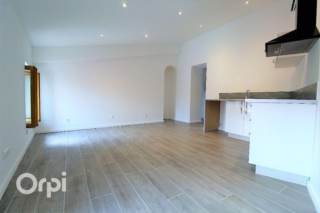 Appartement à vendre 2 36.9m2 à Roquebrune-sur-Argens vignette-3
