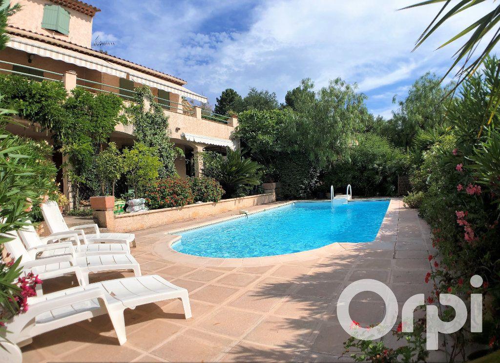 Maison à vendre 6 191m2 à Sainte-Maxime vignette-2