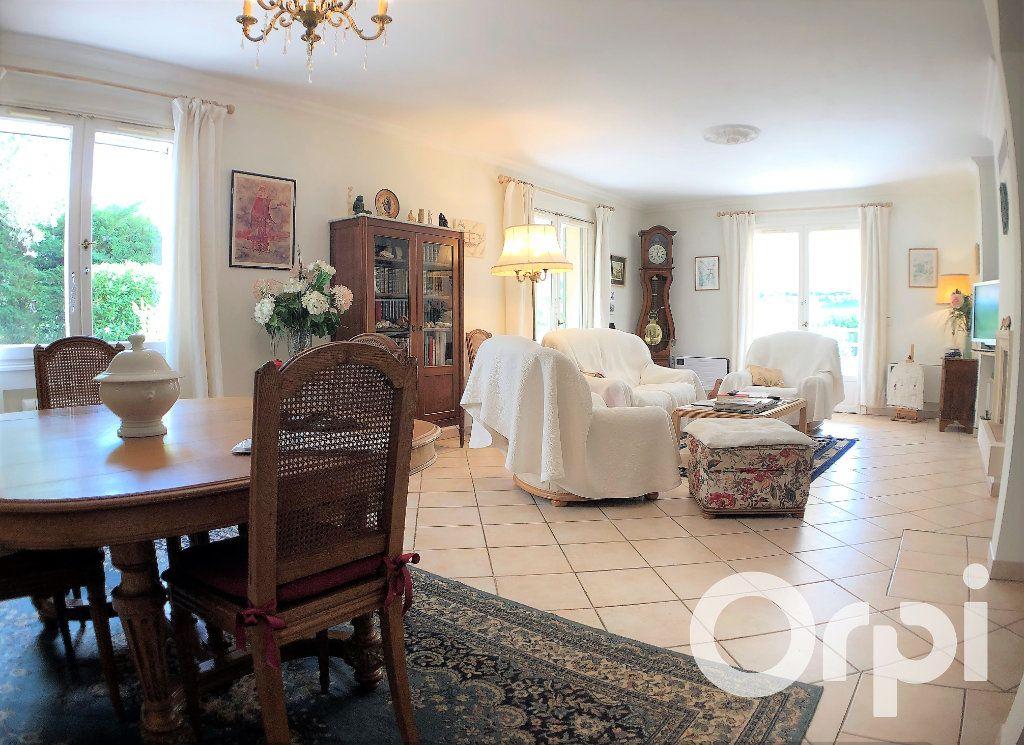 Maison à vendre 6 191m2 à Sainte-Maxime vignette-6