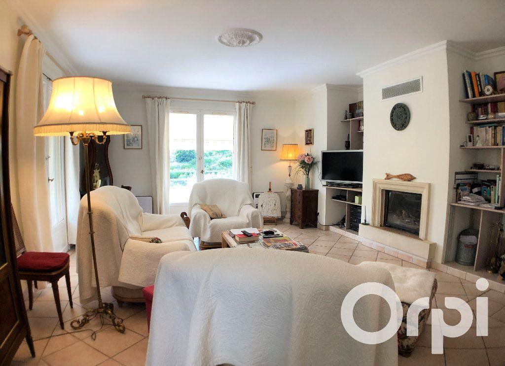 Maison à vendre 6 191m2 à Sainte-Maxime vignette-7