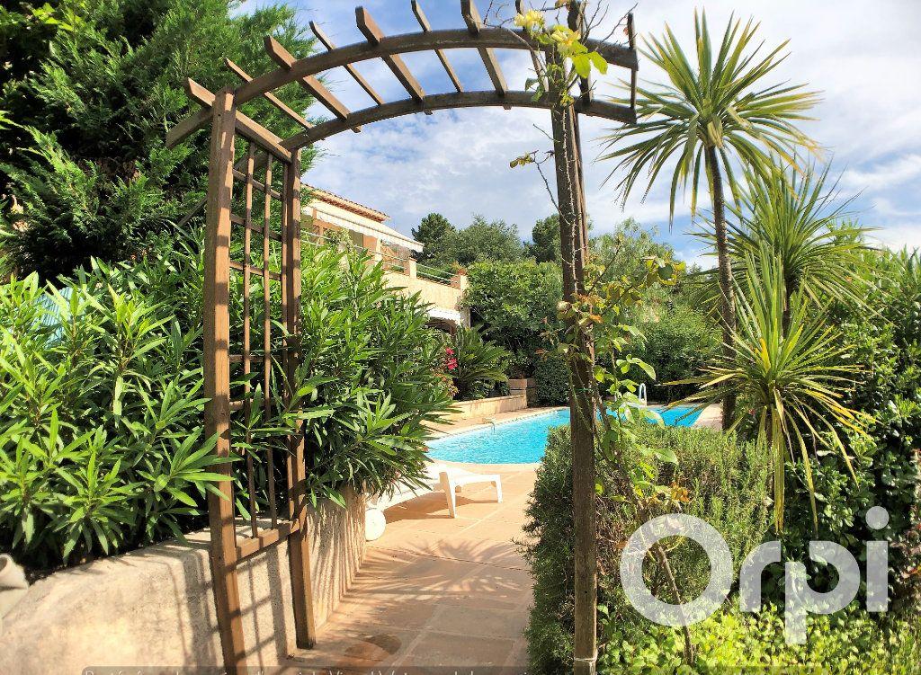 Maison à vendre 6 191m2 à Sainte-Maxime vignette-10