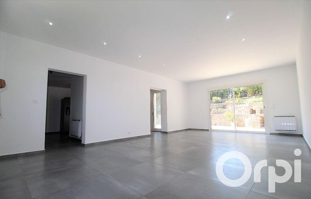 Maison à vendre 6 150m2 à Puget-sur-Argens vignette-4