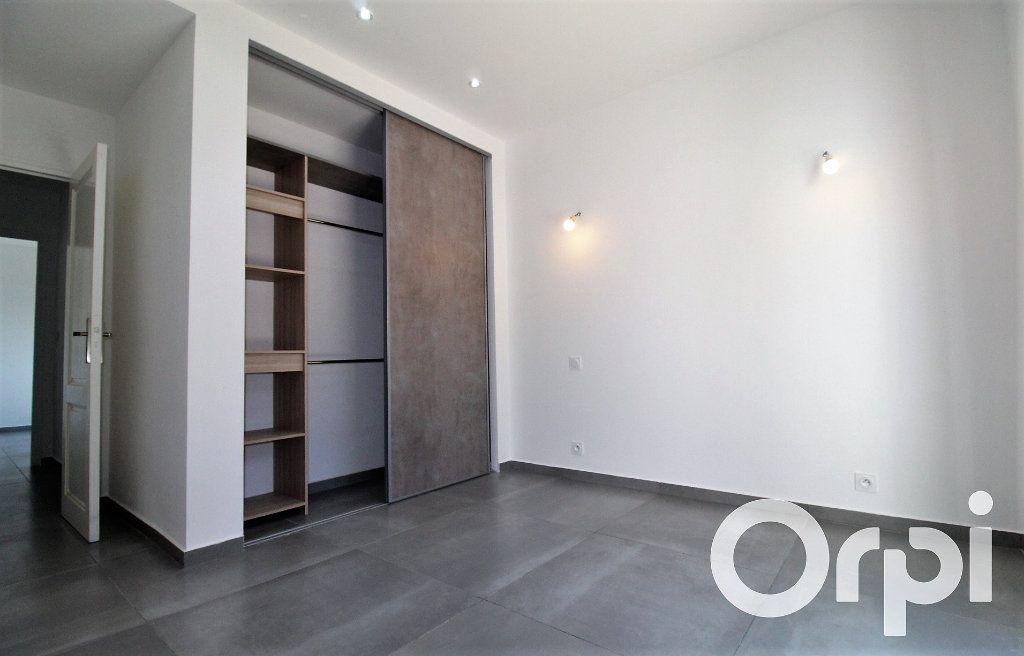 Maison à vendre 6 150m2 à Puget-sur-Argens vignette-8