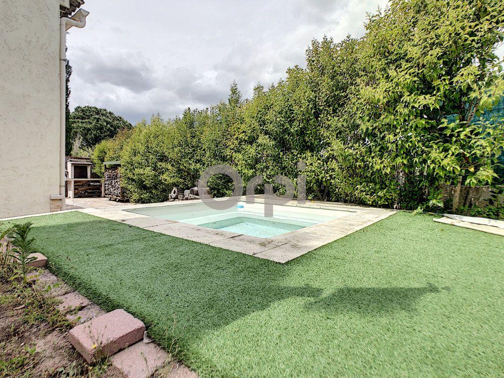 Maison à vendre 4 72m2 à Roquebrune-sur-Argens vignette-2