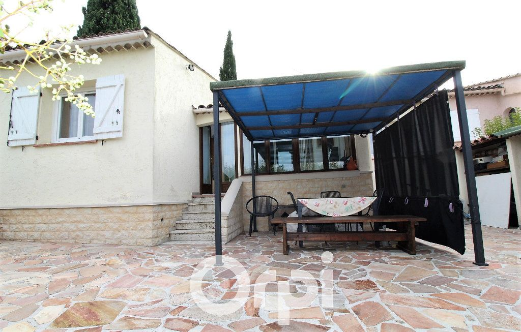 Maison à vendre 4 72m2 à Roquebrune-sur-Argens vignette-3