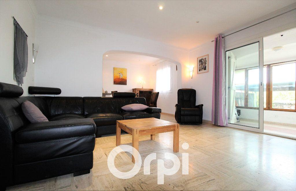 Maison à vendre 4 72m2 à Roquebrune-sur-Argens vignette-4