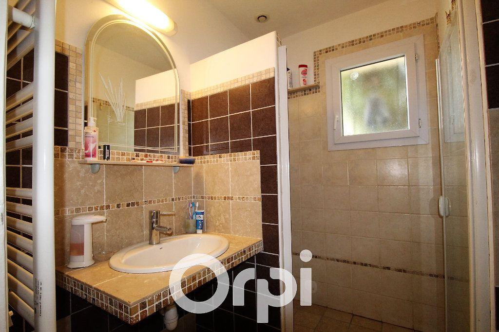Maison à vendre 4 72m2 à Roquebrune-sur-Argens vignette-7