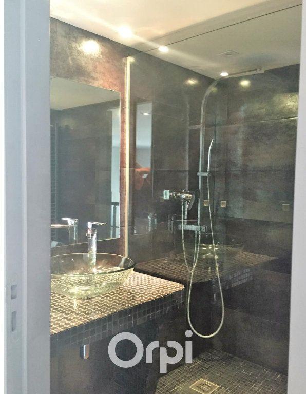 Appartement à vendre 2 58m2 à Roquebrune-sur-Argens vignette-4