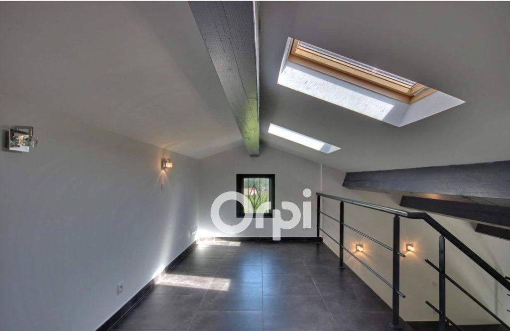 Appartement à vendre 3 65m2 à Roquebrune-sur-Argens vignette-5