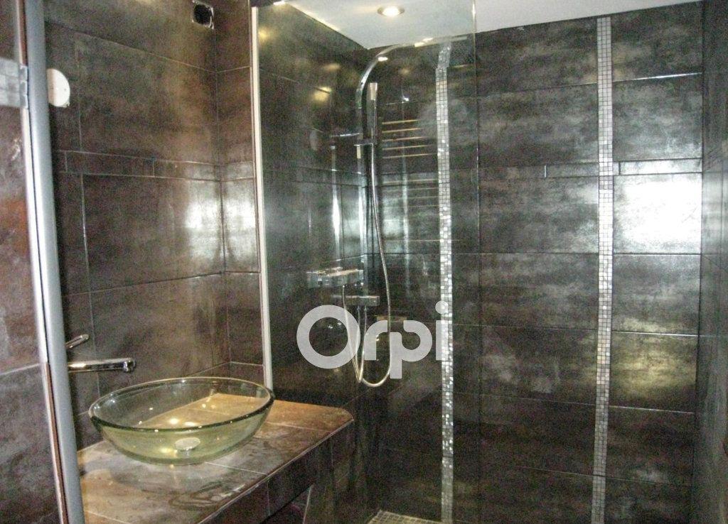 Appartement à vendre 3 65m2 à Roquebrune-sur-Argens vignette-6