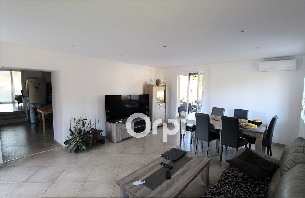 Maison à vendre 4 117m2 à Le Muy vignette-6