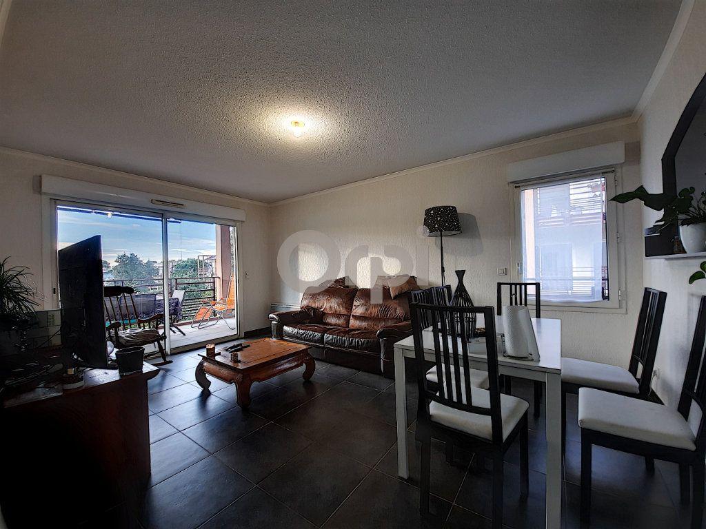 Appartement à vendre 3 64.55m2 à Fréjus vignette-4
