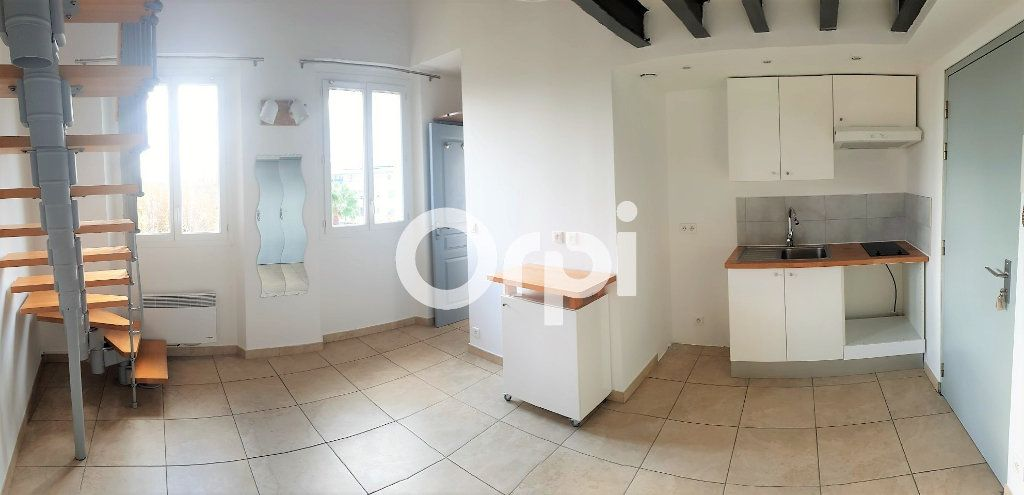 Appartement à louer 1 31m2 à Puget-sur-Argens vignette-1