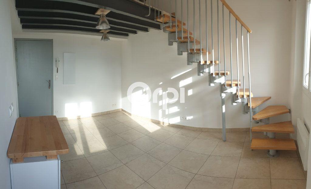 Appartement à louer 1 31m2 à Puget-sur-Argens vignette-3