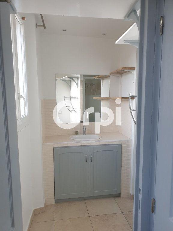Appartement à louer 1 31m2 à Puget-sur-Argens vignette-9