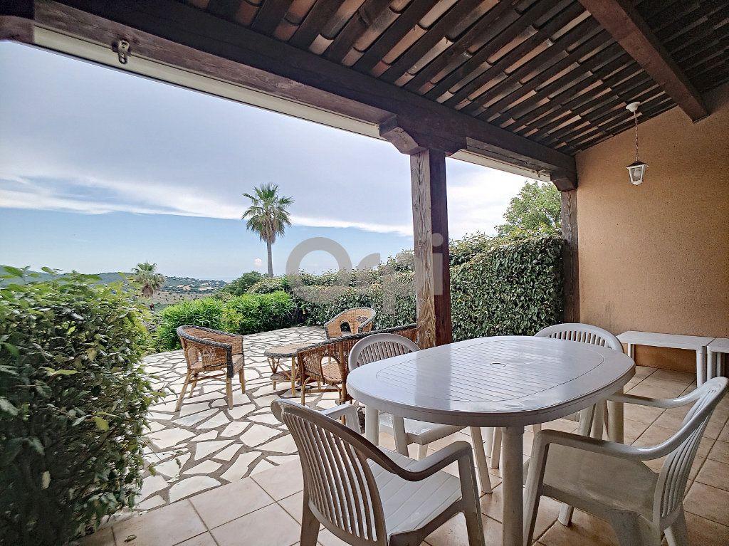 Maison à vendre 4 70.66m2 à Les Issambres - Roquebrune-sur-Argens vignette-2