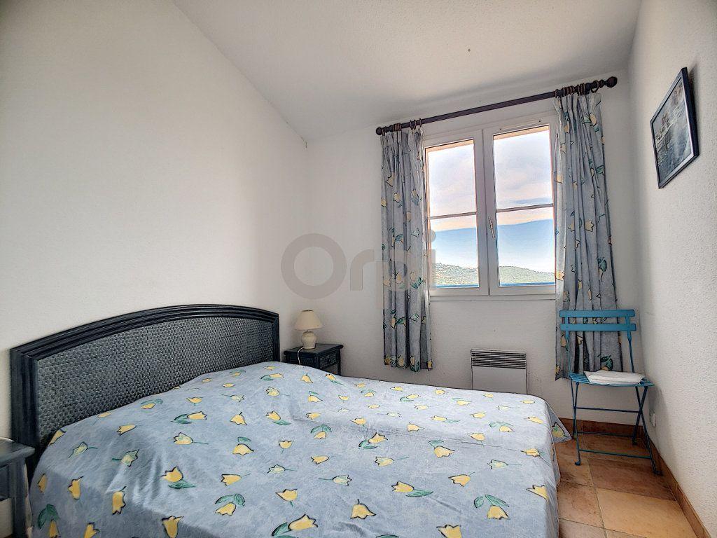 Maison à vendre 4 70.66m2 à Les Issambres - Roquebrune-sur-Argens vignette-9