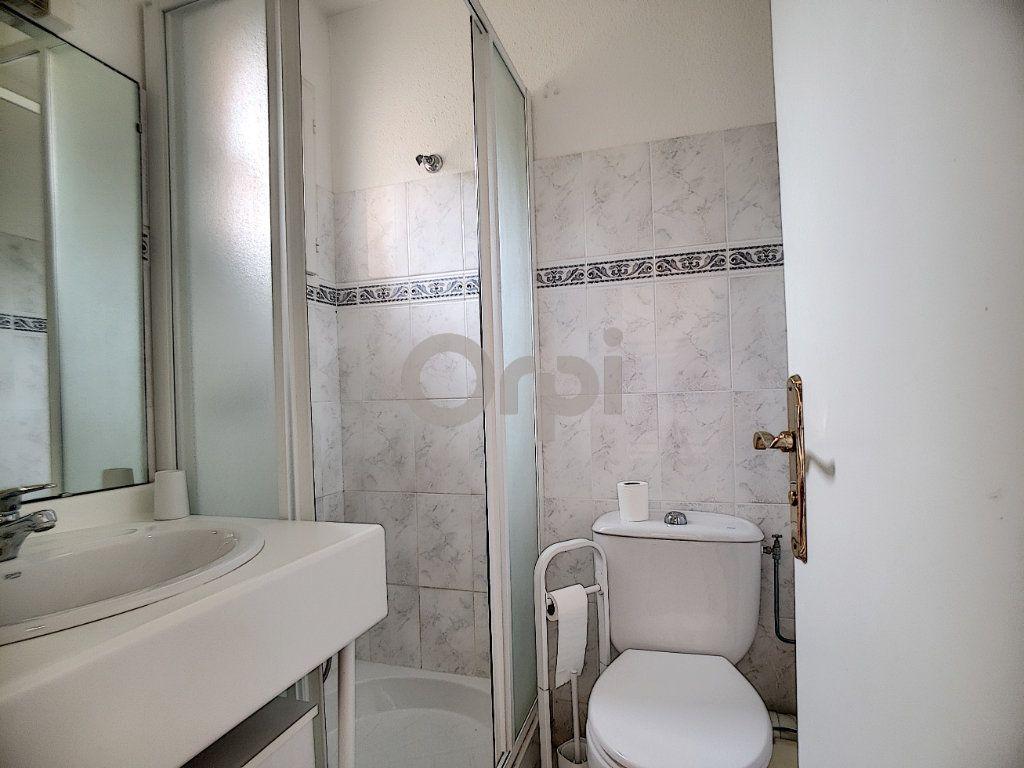 Maison à vendre 4 70.66m2 à Les Issambres - Roquebrune-sur-Argens vignette-11