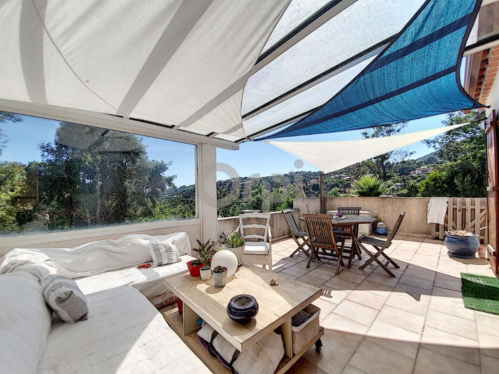 Maison à vendre 6 155m2 à Les Issambres - Roquebrune-sur-Argens vignette-1