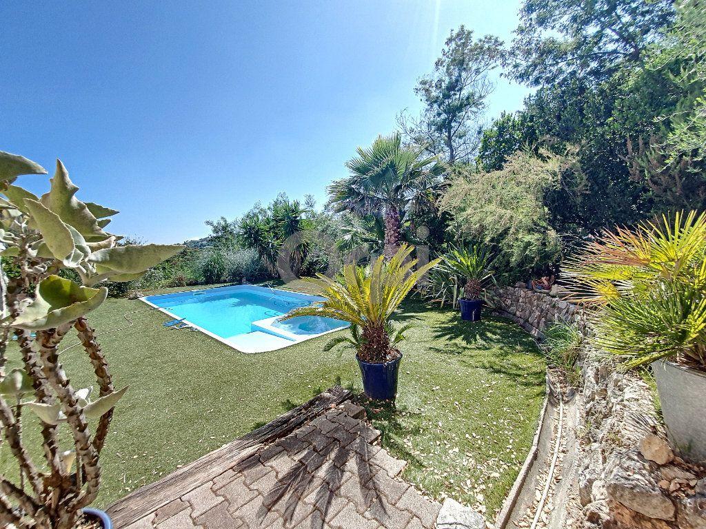 Maison à vendre 6 155m2 à Les Issambres - Roquebrune-sur-Argens vignette-2