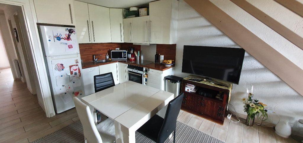 Appartement à vendre 3 54.44m2 à Fréjus vignette-2