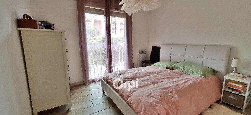Appartement à vendre 3 54.44m2 à Fréjus vignette-5