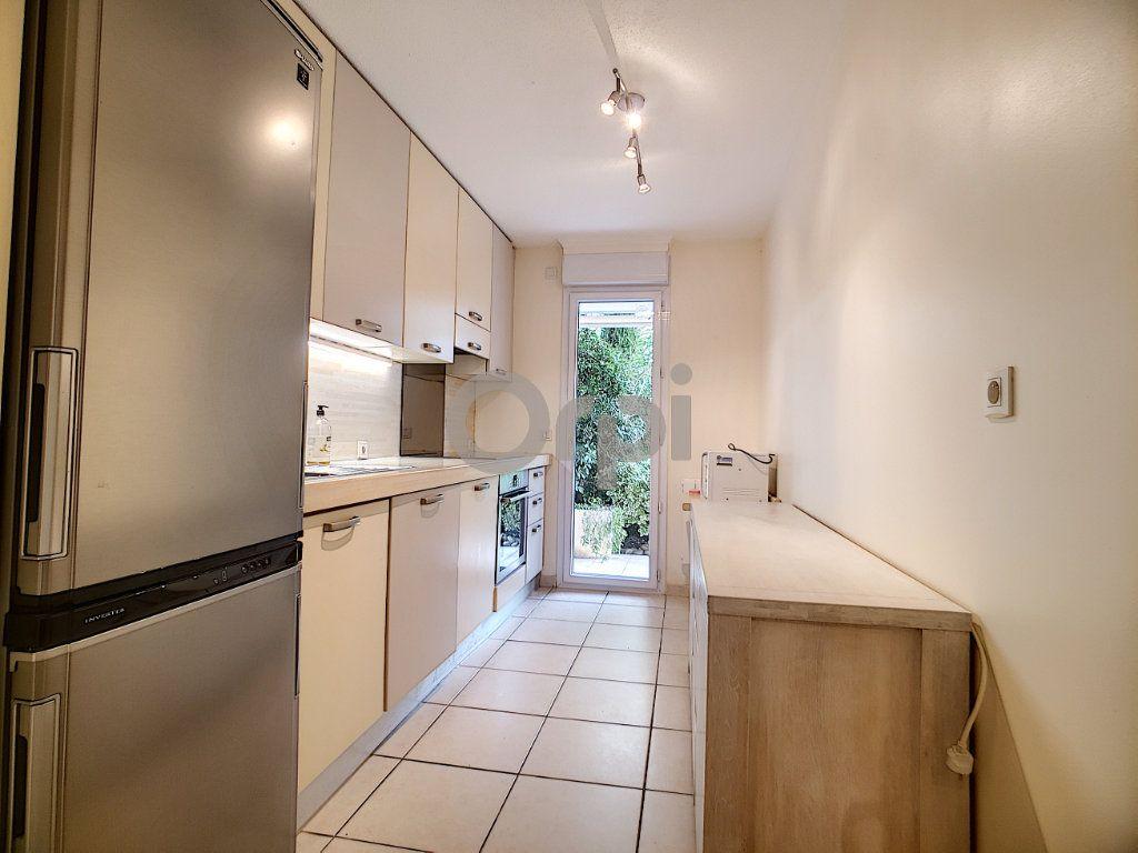 Appartement à vendre 3 75.62m2 à Fréjus vignette-8