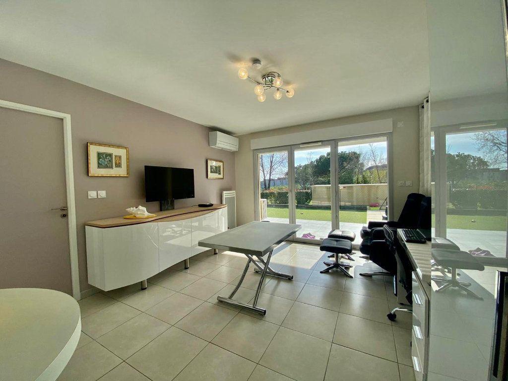 Appartement à vendre 2 42m2 à Fréjus vignette-3