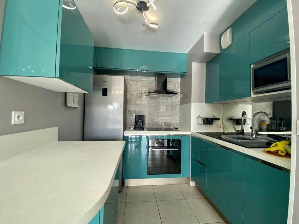 Appartement à vendre 2 42m2 à Fréjus vignette-4