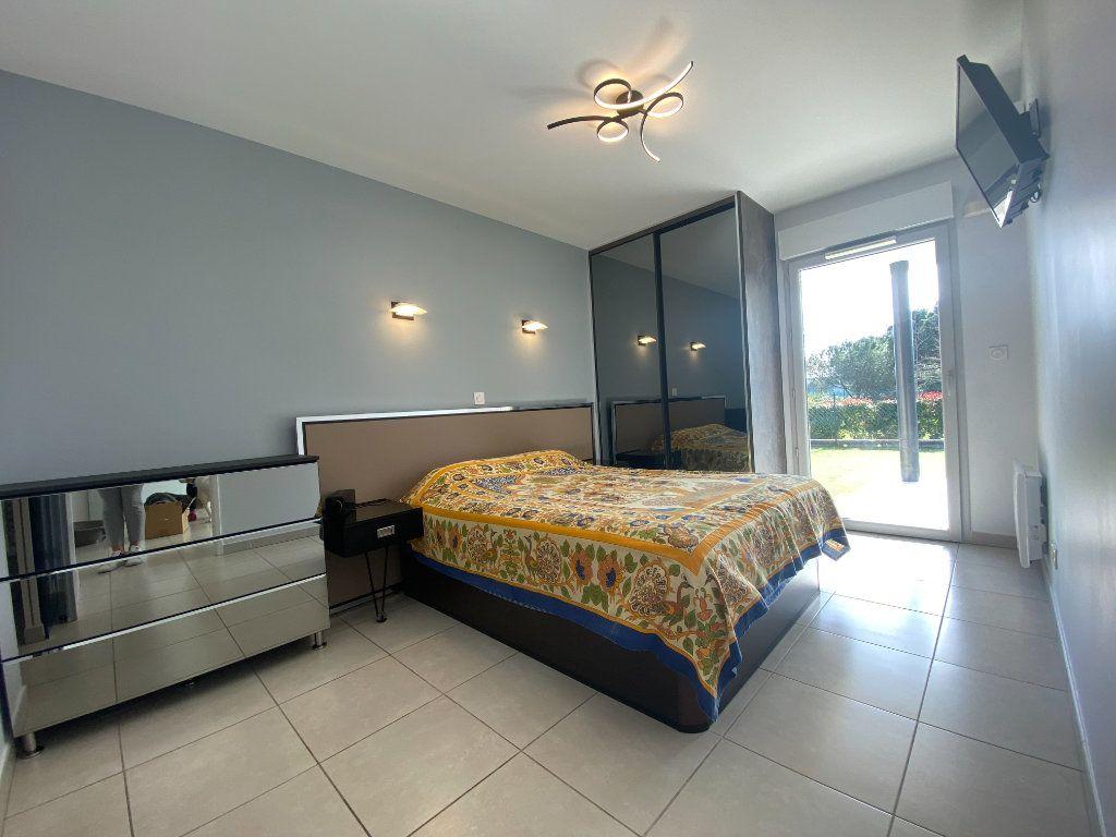 Appartement à vendre 2 42m2 à Fréjus vignette-5