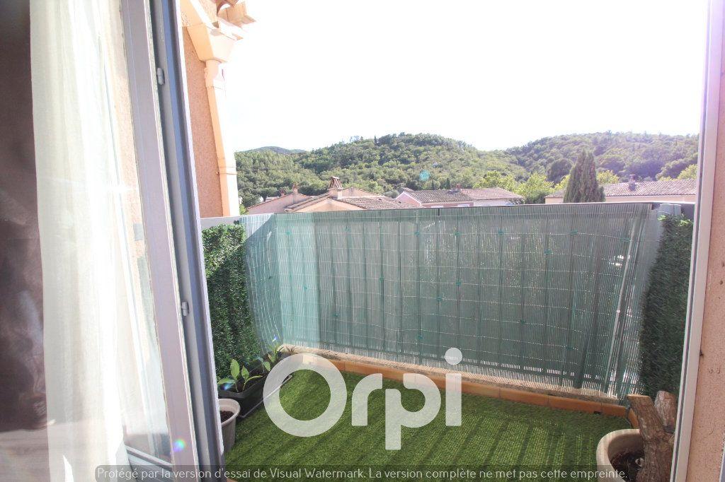 Appartement à louer 4 92.69m2 à Roquebrune-sur-Argens vignette-1