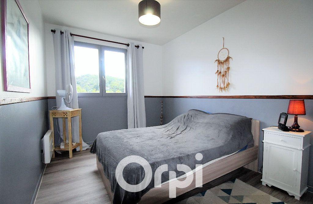 Appartement à louer 4 92.69m2 à Roquebrune-sur-Argens vignette-5