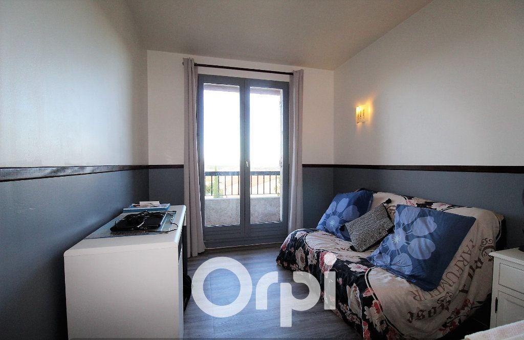 Appartement à louer 4 92.69m2 à Roquebrune-sur-Argens vignette-6